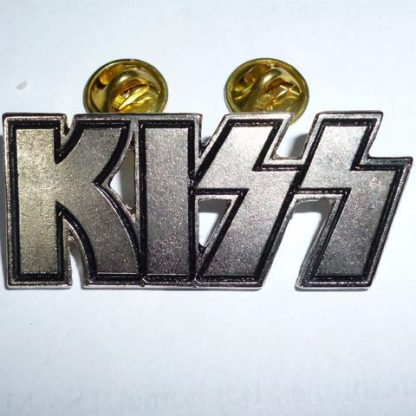 kiss logo pin