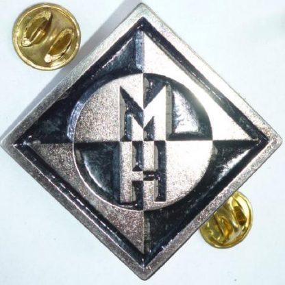machine head diamond logo pin